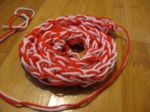 finger knitting.. thing