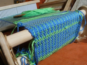 close up of the cricket weaving